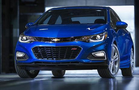 BGeneral Motors представили обновленный седан Chevrolet Cruze