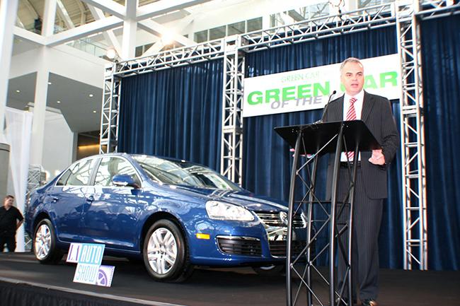 Volkswagen Jetta – зелёный автомобиль 2009 года