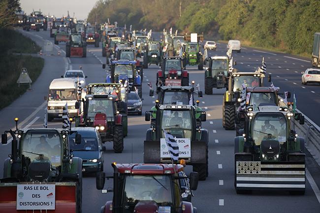 Тракторы в Париже